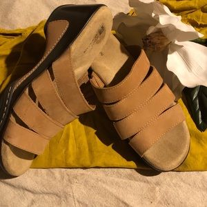 White Mountain Muella Nubuck Sandal 10
